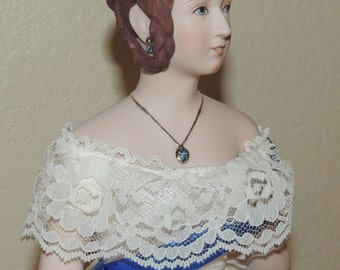 Queen Victoria 1994 UFDC Convention Porcelain doll by Virginia Orenzie