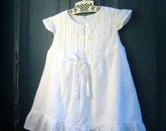 Llittle girls summer dress of white Swiss dot cotton, 12 month old baby dress, Childrens Clothing, Dress, by mailordervintage on etsy