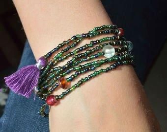 green iris multi strand stretch bracelet, green layered stretch bracelet, dark green wrap bracelet, beach boho stretch bracelet w accents