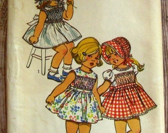 Vintage 1970s Toddler Girls Smocked Dress and Bonnet Size 3 Transfer included for Smocking Simplicity Pattern 5532 UNCUT