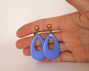 Periwinkle Tear Drop Clip Earrings, 1970s