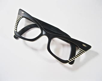 Ray-Ban vintage cat eye glasses. black and white super rare 1960s 1950s striped layered angled no lenses.