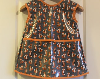 READY TO SHIP 4/5 Sleeveless Extra Long Kids Art Smock Waterproof Art Apron in Gray Fab Foxes