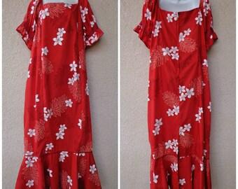 1970s Hawaiian DRESS. Hawaiian MuuMuu. Hawaiian Caftan. Tent Dress. Vintage Muu Muu. Red MuuMuu. TropicalFloral Print. Plus Size MuuMuu. 3X