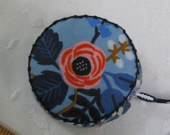 Les Fleurs by Cotton and Steel, Retractable tape measure covered with fabric