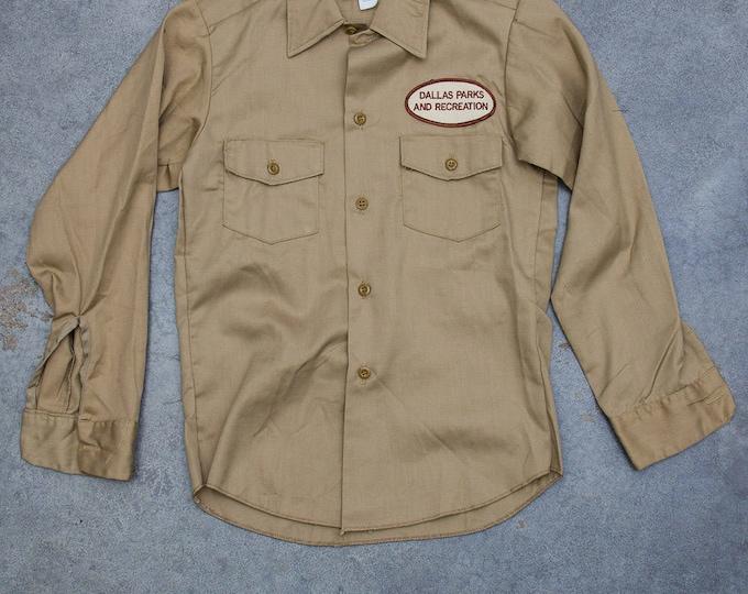 Tan Khaki Dickies Boys Men's Shirt Vintage Size XS Button Down Top Dallas Parks and Recreation Patch Mens Kids Unisex 7W