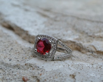 Gorgeous Ruby Red Glass And Clear Accent Stone Sterling Silver 925 Ring ~ Size 6.5 ~ Jewelry