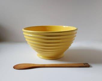 Vintage mixing bowl, ribbed pottery bowl, vintage pottery bowl, 1940's pottery, yellow bowl