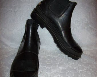 Vintage Ladies Black Rubber Ankle Boots by Maine Woods Size 8 Only 12 USD