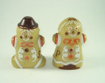 Vintage Christmas Salt and Pepper Shakers - Gingerbread Man Servingware - Vintage Kitchen Kitsch