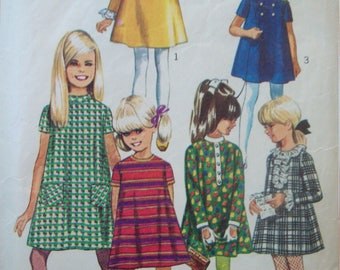 Girls Tent Dress with Detachable Neck and Sleeve Trims Vintage Simplicity Pattern 7278 circa 1960s Size 7