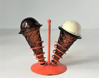 Ice Cream Cone Salt and Pepper Shakers, Amber Glass Shakers on Orange Stand, Chocolate Vanilla Ice Cream, Retro Kitchen Kitsch Malt Shop