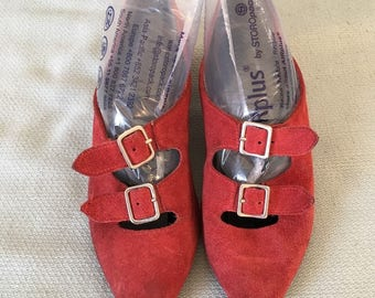 Vintage 1980's Real Red Suede Kitten Heel Buckle Shoes Size 4