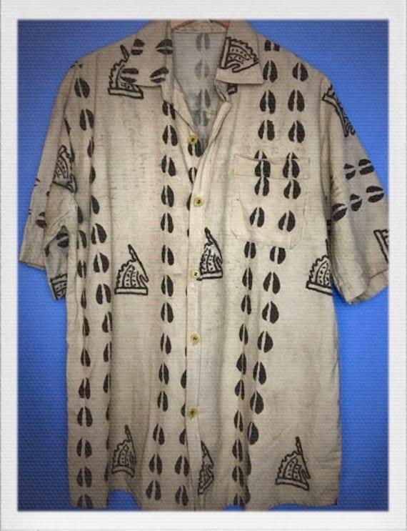 """Vintage Men's Hawaiian Shirt Size Extra Large 22"""" width 31"""" length"""