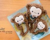 Tiny sizes: Monkey fluffy hat