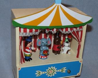 Enesco Music Box Vintage Circus Tent The Entertainer 1982 Ring Master Bear Dog & Circus music box | Etsy