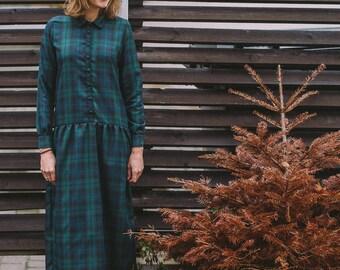 Women's emerald dress, Midi dress, Long sleeve dress, Cosy dress, Winter dress, Dress with buttons, Dress with pockets, Casual dress