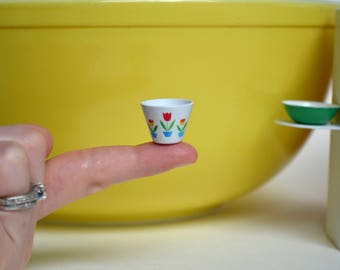 Tulip Fire King Splash Proof mixing bowl Mini - Dollhouse Miniature Kitchen Bowl