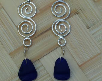 Cobalt blue seaglass on double silver swirls
