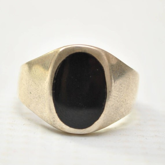Onyx Small Oval Stone in Plain Sterling Silver Ring Sz 10 #8781