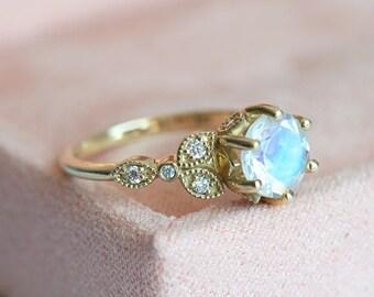 Moonstone Ring, Vintage Moonstone Engagement Ring, Rainbow Moonstone Ring, Romantic Engagement Ring, Floral Ring, Moonstone Wedding