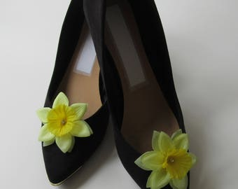 shoe clips, daffodil flower, shoes, clips, weddings, accessories, wedding accessories