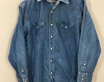 Vintage Wrangler Blue Denim Pearl Snap Western Shirt Sz 17x33 USA