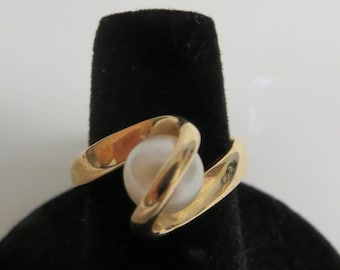 pearl 14kt gold ring