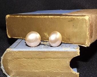 Pearl & Silver Clip-on Earrings. Vintage Earrings. Circa 1970s.