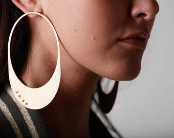 Personalized Hoop Earring, Oversized earrings. Retro style large hoops. Gold Hoop Earrings. Geometric hoops. Statement earrings.