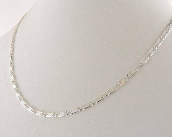 Sterling Silver Textured Enclosed Scroll Link Necklace 18""