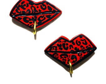 LEOPARD LIPPY EARRINGS