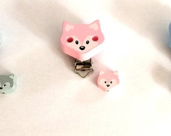 Pacifer clip and its bead fox