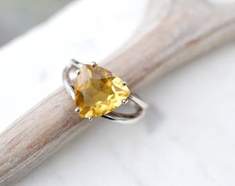 Sterling Silver Yellow Gemstone Ring, Summer Jewelry, Sterling Silver Trillion Cut Gemstone Ring, Sterling Gemstone Ring, Yellow Jewelry