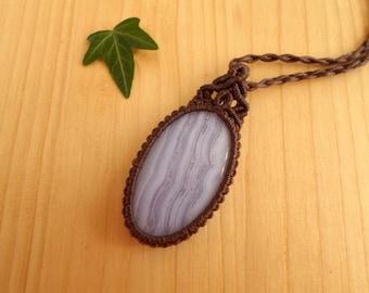 Blue lace agate macrame pendant, macrame jewelry, boho pendant, macrame stone, gemstone pendant, bohemian jewelry, hippie pendant
