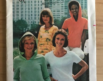 Butterick 4668 - 1970s Close Fitting T-Shirt with Hood Option and Long or Short Sleeves - Size 12 Bust 34""