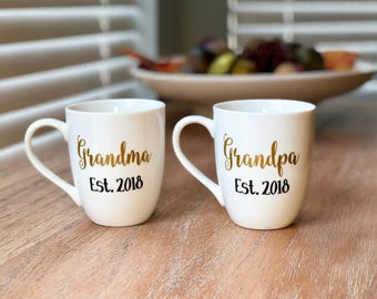 Grandparent Gift / Personalized Grandma and Grandpa Coffee Mugs / Pregnancy Reveal /New Grandparent Gifts / Grandma mug / Grandpa mug