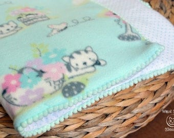 Cat blanket, Cat bedding, Padded blanket, Mint fleece cat blanket throw, Crate cover, Catnip cat mat, Comfy cozy cushion, Soft crate pad