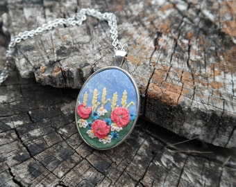 Red poppies necklace Embroidered pendant necklace Landscape embroidery Botanical pendant Flower wife jewelry Wild flower jewelry Eco jewelry