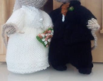 Knitted Bride and Groom Mice