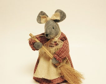Primitive Spring Mouse - Made To Order, Primitive Animals, Easter Decor, Spring Decor, Country Farmhouse Decor