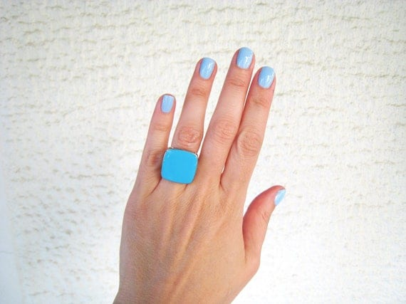 Blue turquoise statement ring, silver tone turquoise resin ring, aquamarine light blue cyan blue, modern minimalist jewelry, summer jewelry