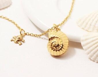 Uma Shell Necklace, Descendants Necklace, Gold Shell Necklace, Ursula Necklace, Uma Cosplay, Descendants Cosplay, Evie Mal Necklace