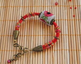 Embroidery jewelry Red bead bracelet poppy floral jewelry Nature lovers gift Summer jewelry poppy jewelry Floral gift for girl bead jewelry