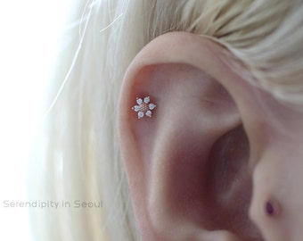 sunflower cartilage earring, tragus earring, helix piercing, cartilage piercing, conch earring, tragus piercing, 16g 18g 20g helix earring