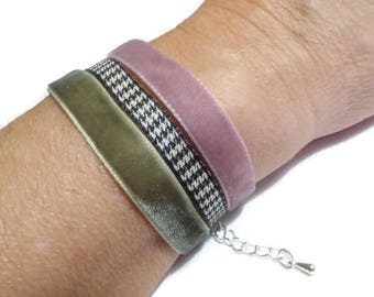 Bracelet pink, green and houndstooth fabric and black velvet, wrist spring suit
