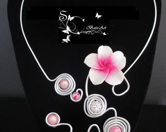 """Necklace """"Dina"""" roses and flower colors"""