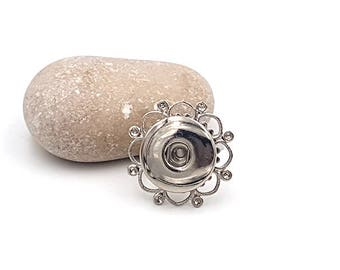 Ring with petals for snap chunk silver grey color