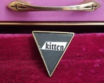 Kitten pin