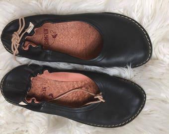 Women's Black Leather Slip-On Camper Flats Size 7.5-8